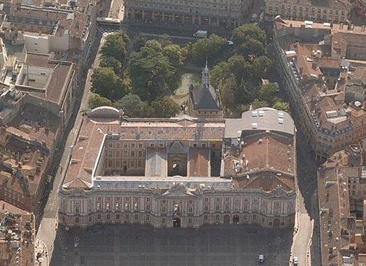 vue du Capitole à Toulouse
