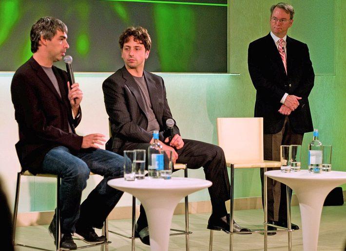 Larry Page, Sergey Brin et Eric Schmidt en mai 2008